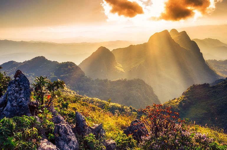 770 Sensationell Nord Raylight sunset Landscape at Doi Luang Chiang Dao shutterstock 249650512