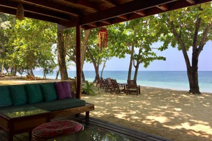 1400 Koh Jum Lodge Lounge 20180330 042004555 iOS