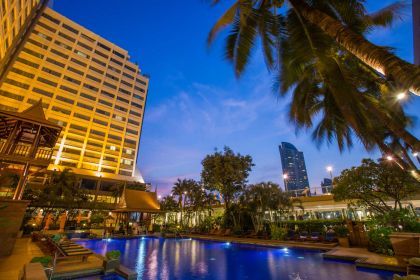 1600 Sala Thai Pool Bar Swimming Pool 3 Ramada Plaza Bangkok Menam Riverside
